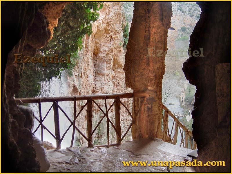 postal_paisajes_del_monasterio_de_piedra_foto_03